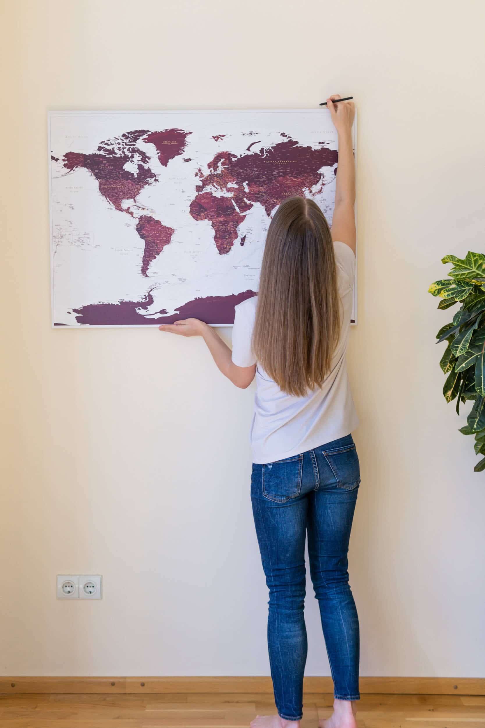 how to hang canvas on a wall