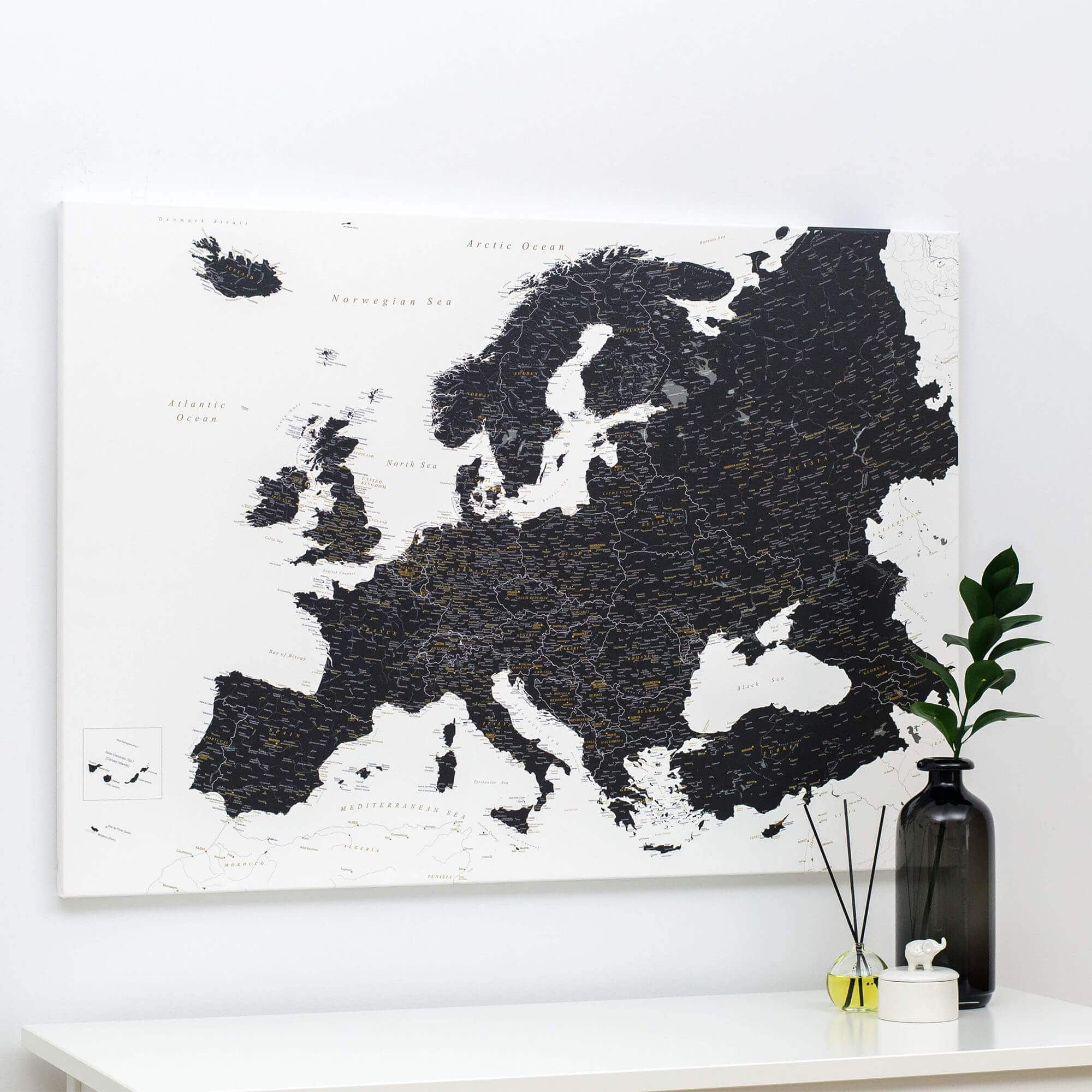 Picture of: Europe Push Pin Map Black And White Detailed Tripmapworld Com
