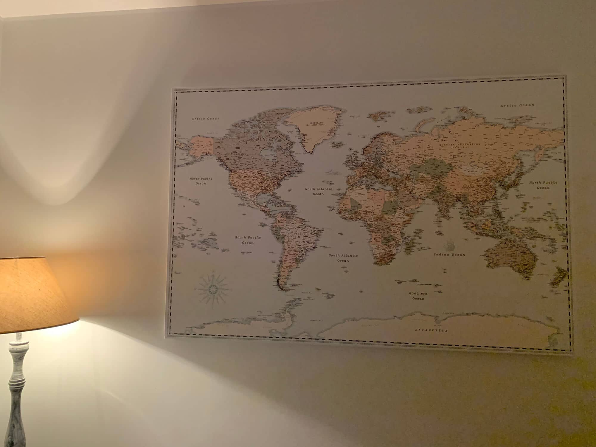 push pin retro style world map livingroom decor