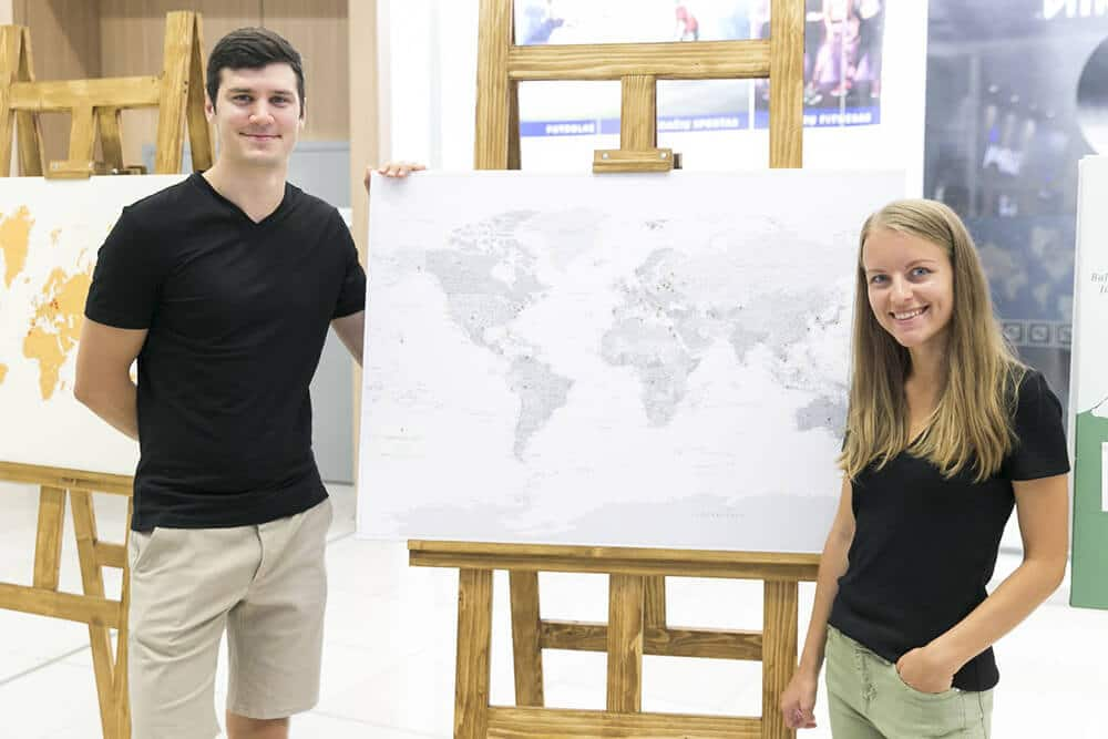 tripmapworld team push pin maps to track adventures (1)
