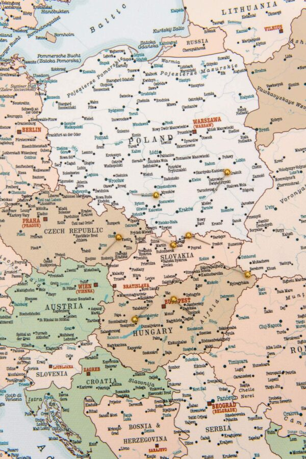 tripmapworld maps with pin europe retro