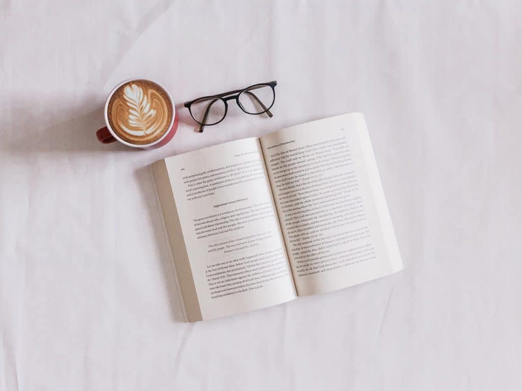 read travel book