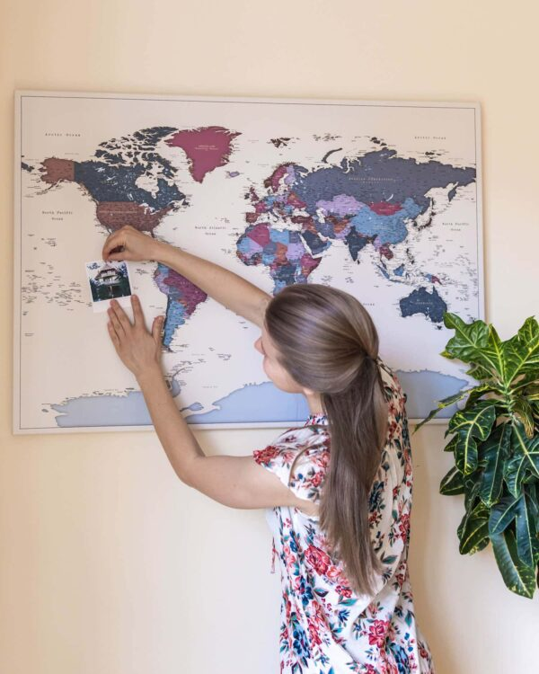 world travelers map grapes color