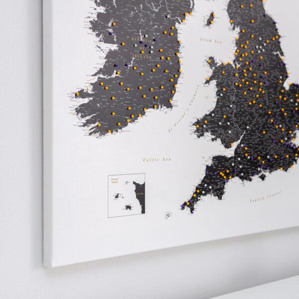 black and wite uk ireland push pin map