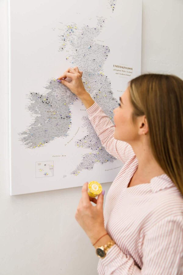 large grey push pin uk and ireland map with counties