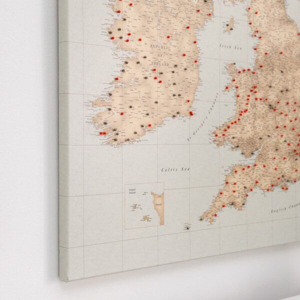 vinatage uk and ireland push pin map