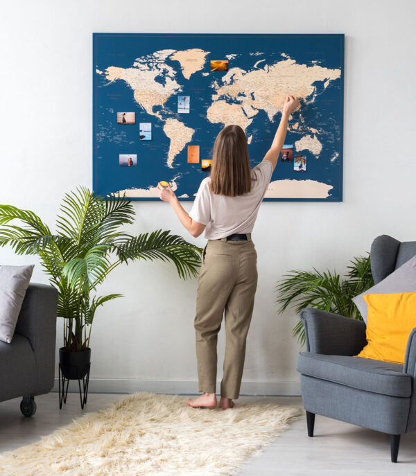 detailed-ocean-blue-world-map-for-traveler-with-pins