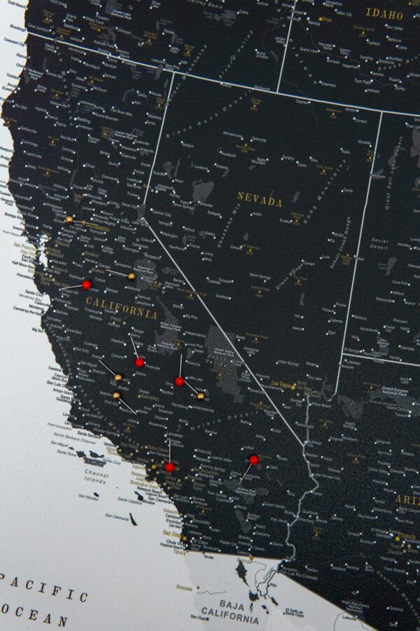 large push pin usa map detailed